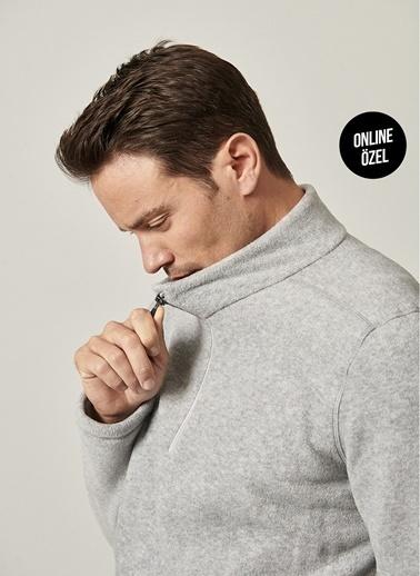 AC&Co / Altınyıldız Classics Standart Fit Günlük Rahat Fermuarlı Bato Yaka Spor Polar Sweatshirt 4A5221100016 Gri